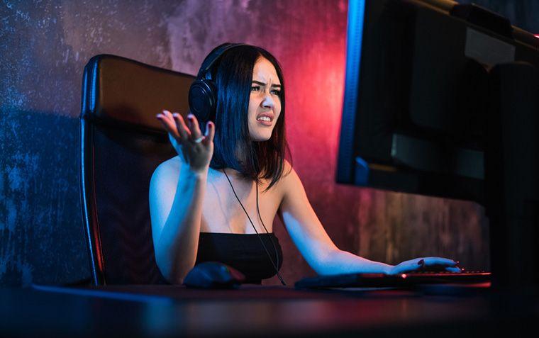 PC randomly shuts down while gaming